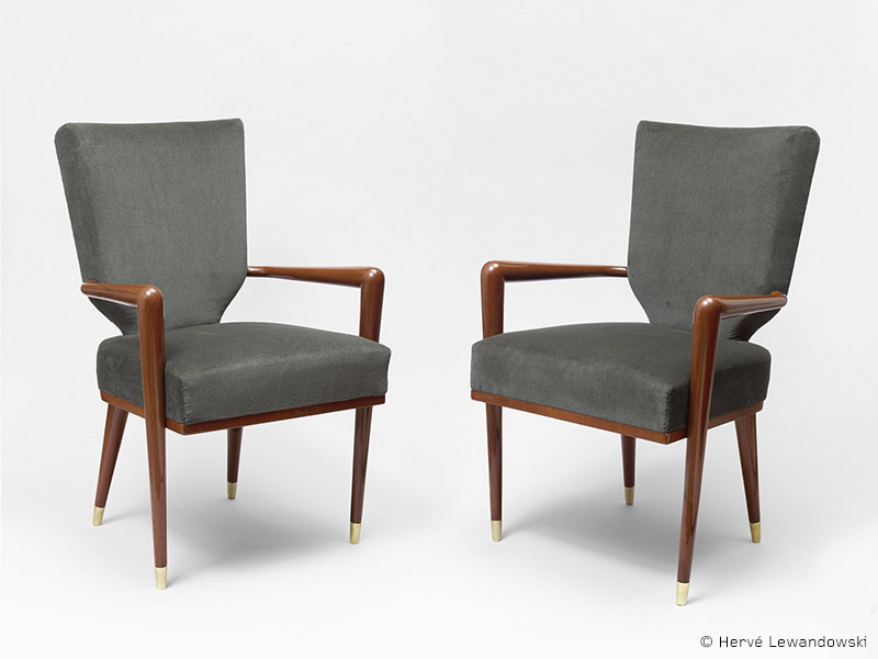 ecusson-armchairs