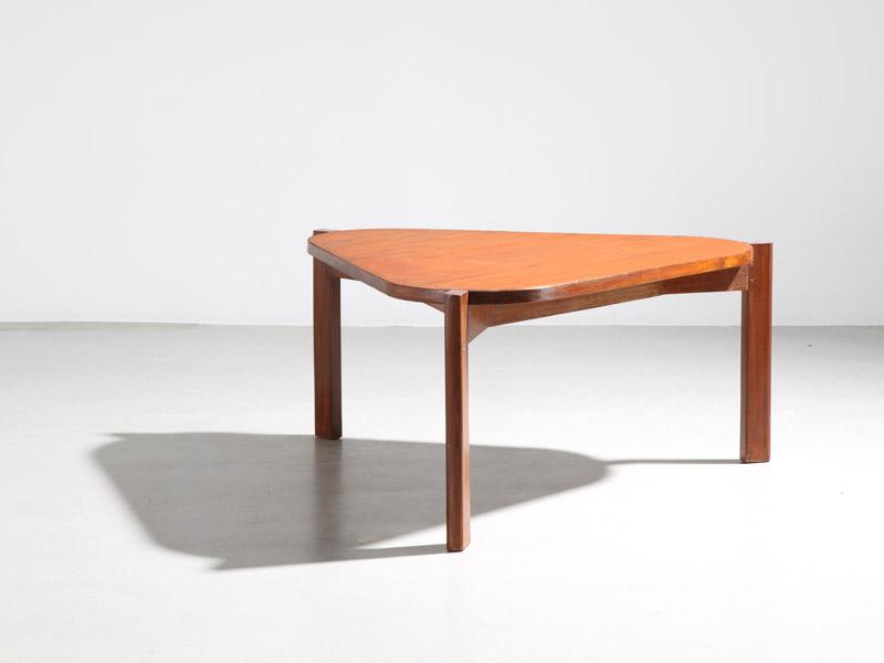 pierre_jeanneret_low_triangular_table_1