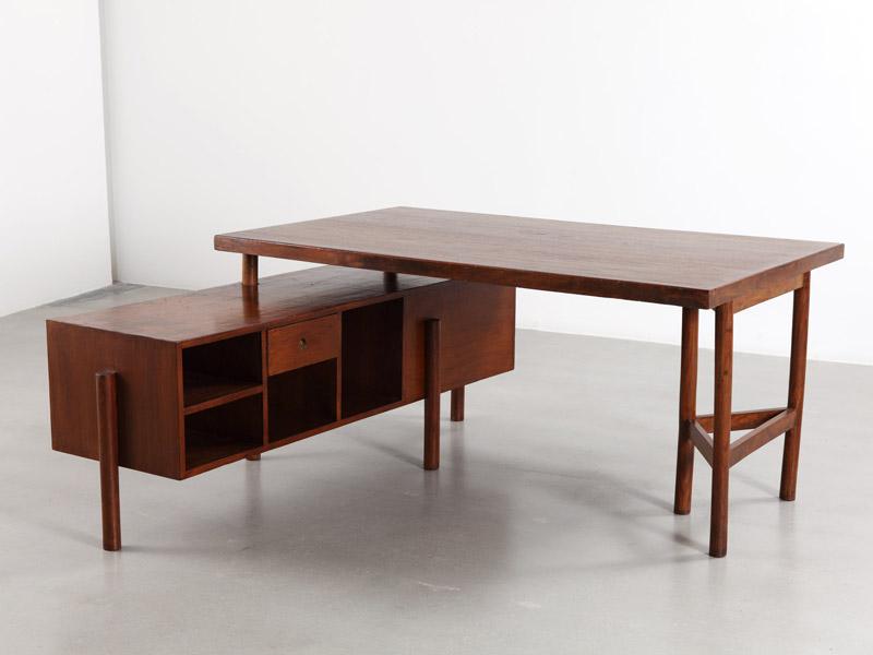 pierre_jeanneret_triangular_leg_desk_3