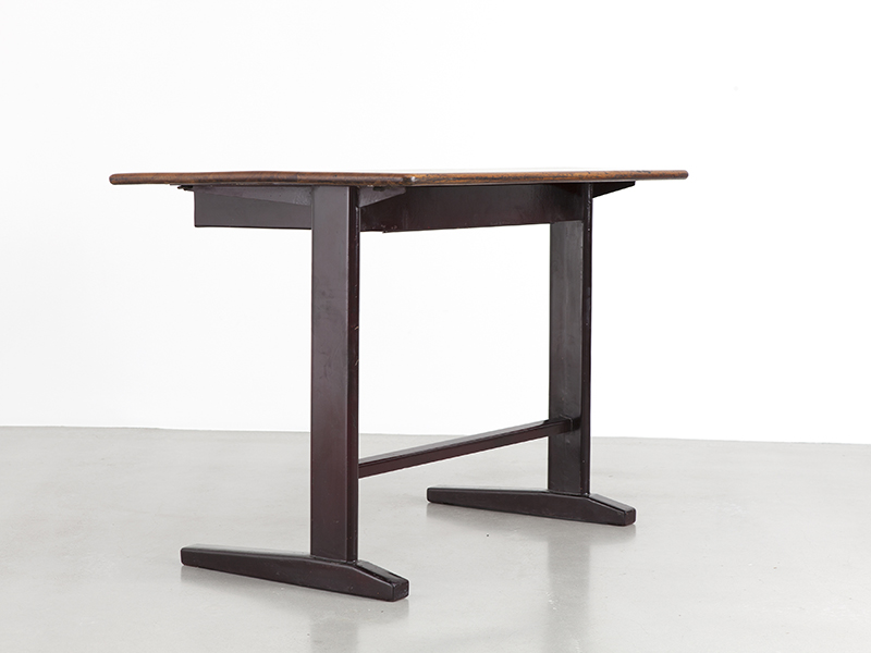 jean_prouve_brown_cite_table_2
