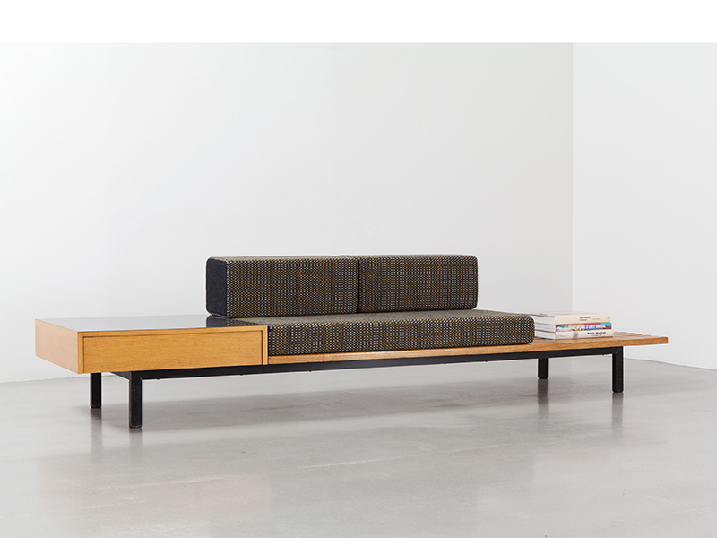 charlotte _perriand_bench_with_storage_2