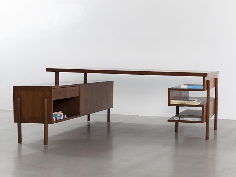 pierre_jeanneret_demountable_desk_1