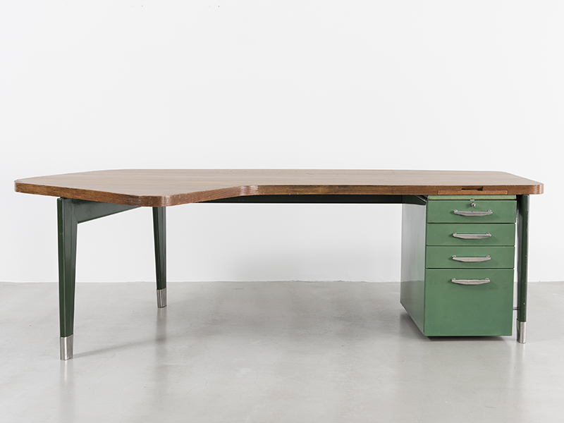 jean-prouve-presidence-desk1