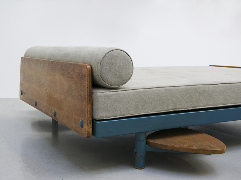 jean-prouve-scal-double-bed2