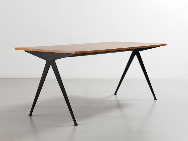 compas-table-with-wood-top-1
