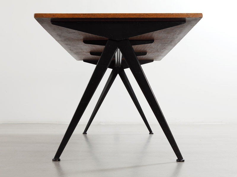 compas-table-with-wood-top-2