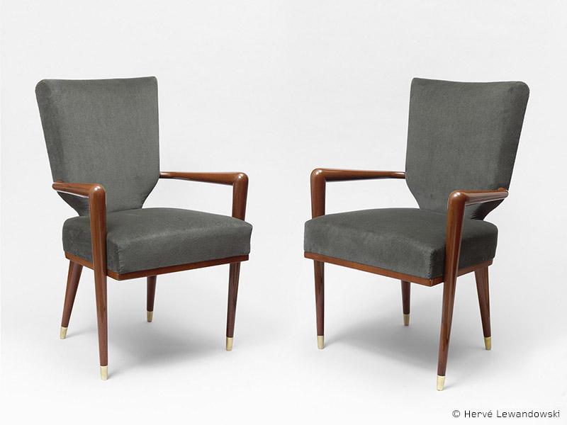 ecusson-armchairs