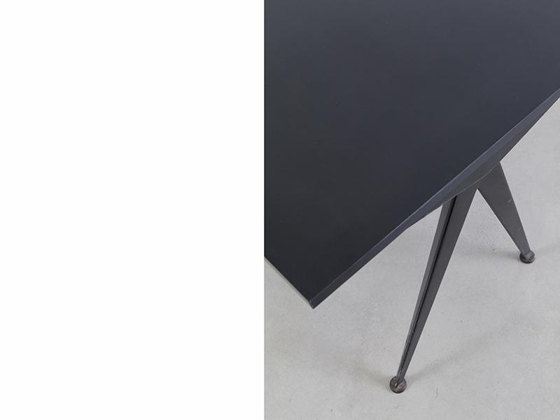 jean-prouve-table-compas-noire-2