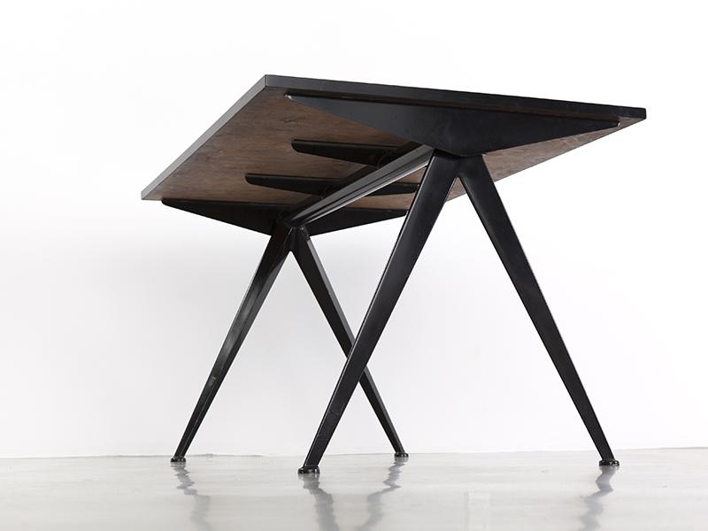 jean_prouve_petite_table_cafeteria_noir_PM_2