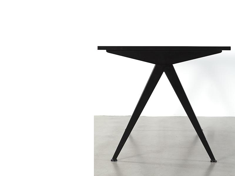 jean_prouve_petite_table_cafeteria_noir_PM_3