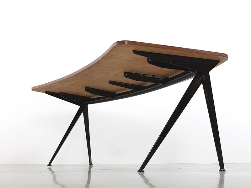 jeanprouvebureaucompascourbe3 Galerie Patrick Seguin