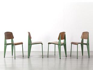 jean-prouve-chaises-demontables-vertes