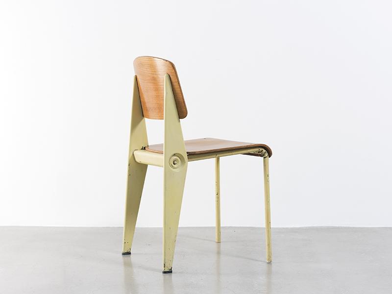 jean prouv chaise caf t ria n 300 d montable jaune ca 1950 galerie patrick seguin. Black Bedroom Furniture Sets. Home Design Ideas