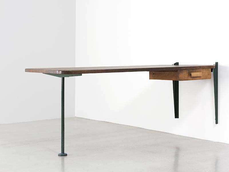 jean prouv table relevable avec tiroir 1943 galerie patrick seguin. Black Bedroom Furniture Sets. Home Design Ideas