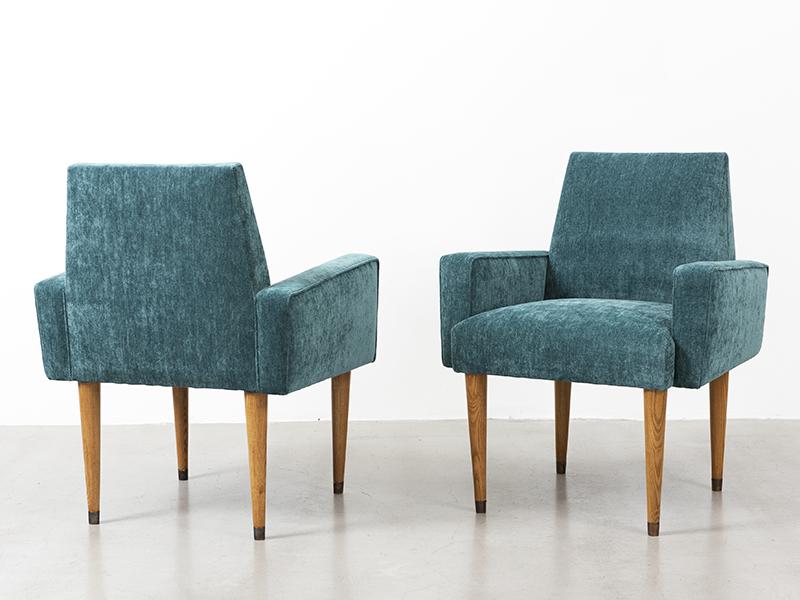 jean roy re paire de fauteuils bleus ca 1960 galerie patrick seguin. Black Bedroom Furniture Sets. Home Design Ideas
